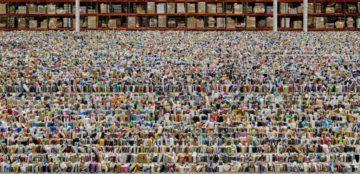 Andreas-Gursky-Amazon-2016-foto-©-Andreas-Gursky-2016-Artists-Rights-Society-ARS-New-York-VG-Bild-Kunst-Bonn-courtesy-Gagosian-1024x495